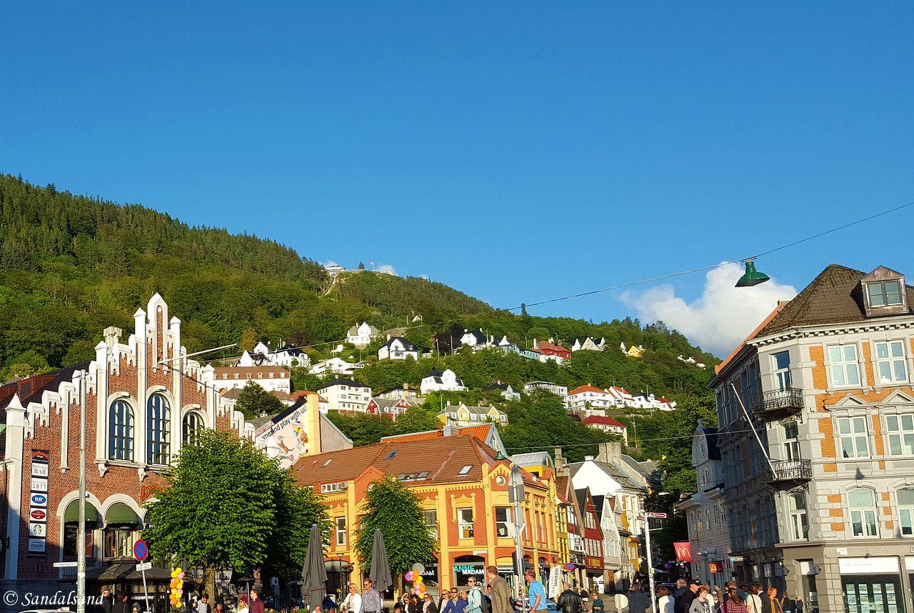 Hordaland - Bergen - Fra Vågsbunnen opp mot Fløyen