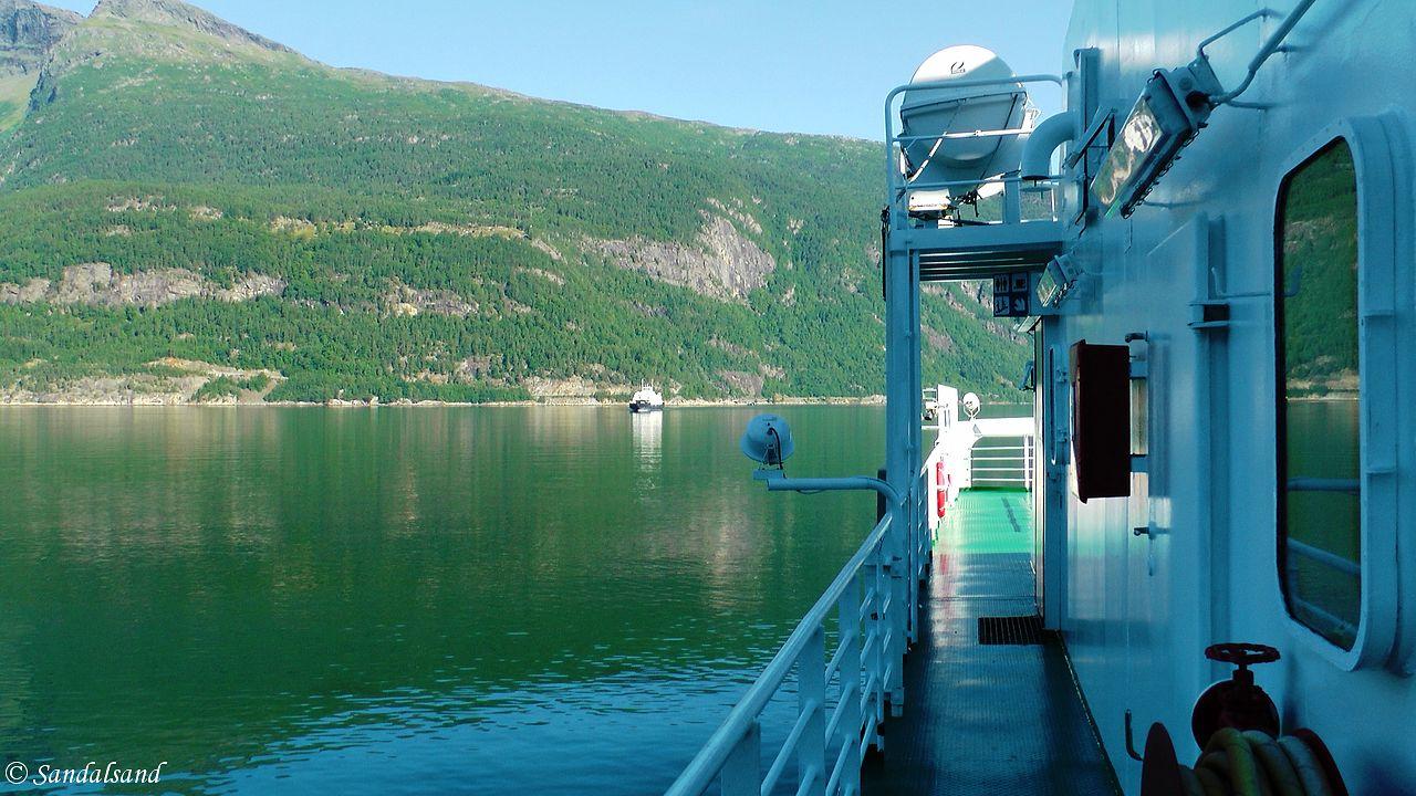 Hordaland - Eidfjord - Hardangerfjorden - Ferjesambandet Bruravik-Brimnes