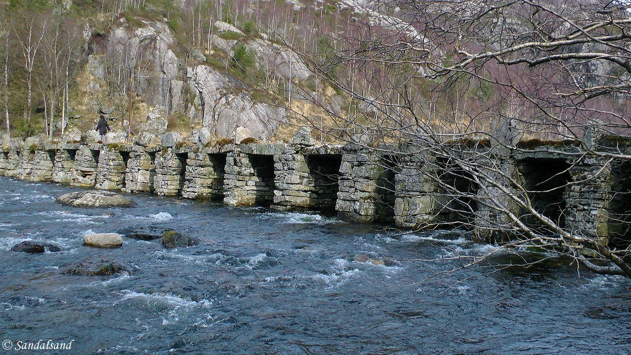 Rogaland - Eigersund - Gyadalen - Terland klopp steinbro