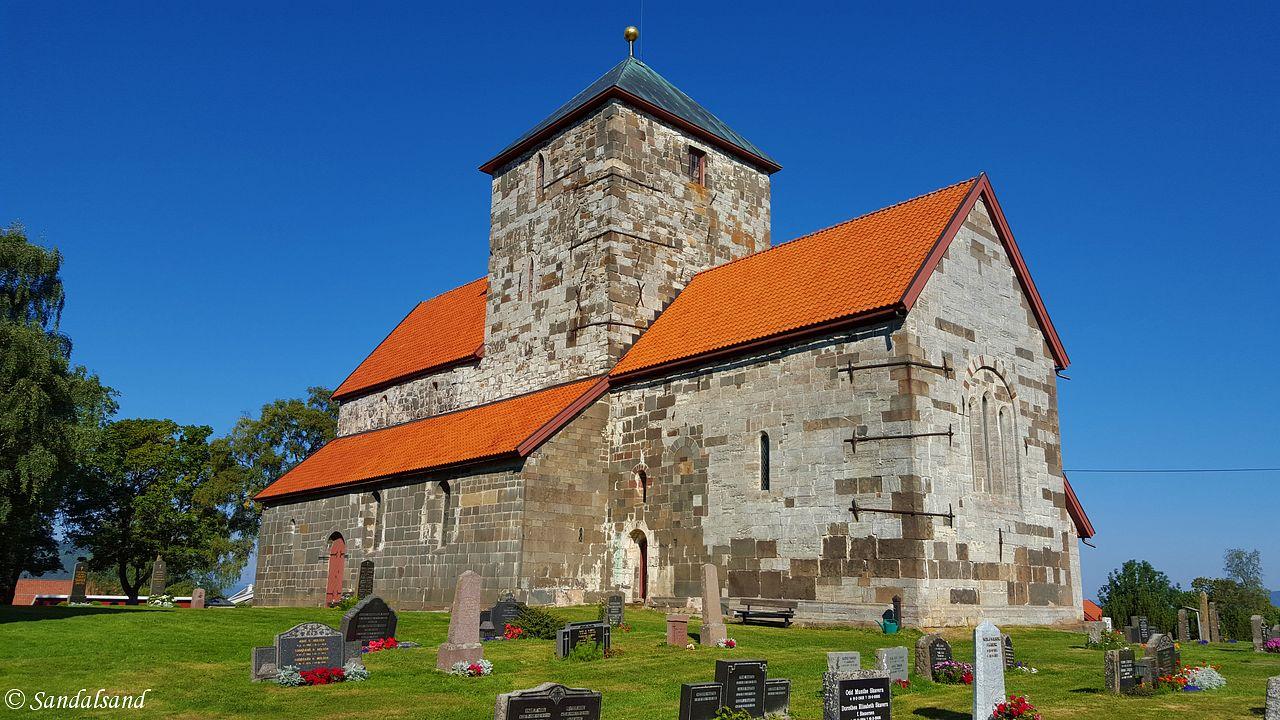 Oppland - Gran - Søsterkirkene - Nikolaikirken