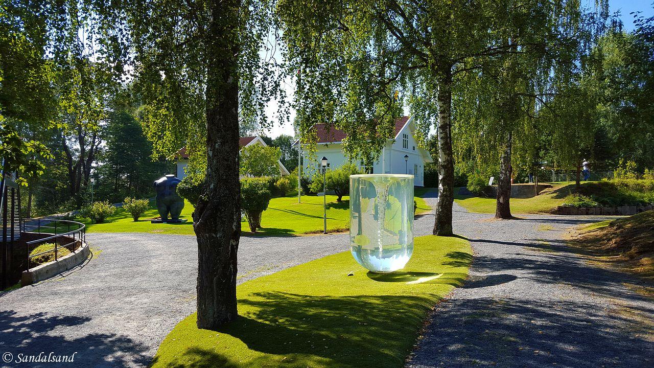 Oppland - Jevnaker - Kistefos - Skulptur - Kunstner: Petroc Sesti