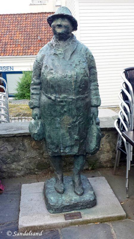 Rogaland - Stavanger - Skulptur - Go' dagen (Kånå), nedenfor Sølvberget
