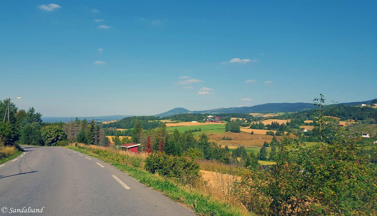 Oppland - Lunner - Langs veien