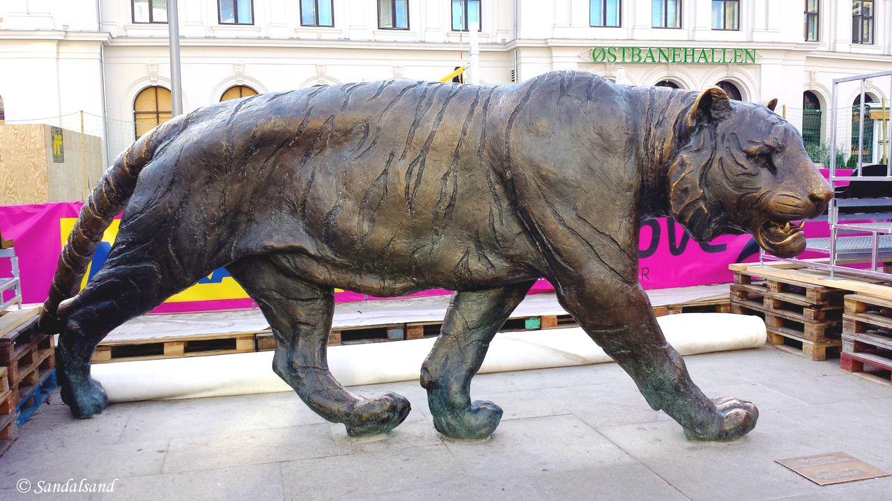 Oslo - Skulptur - Tigeren, Jernbanetorget