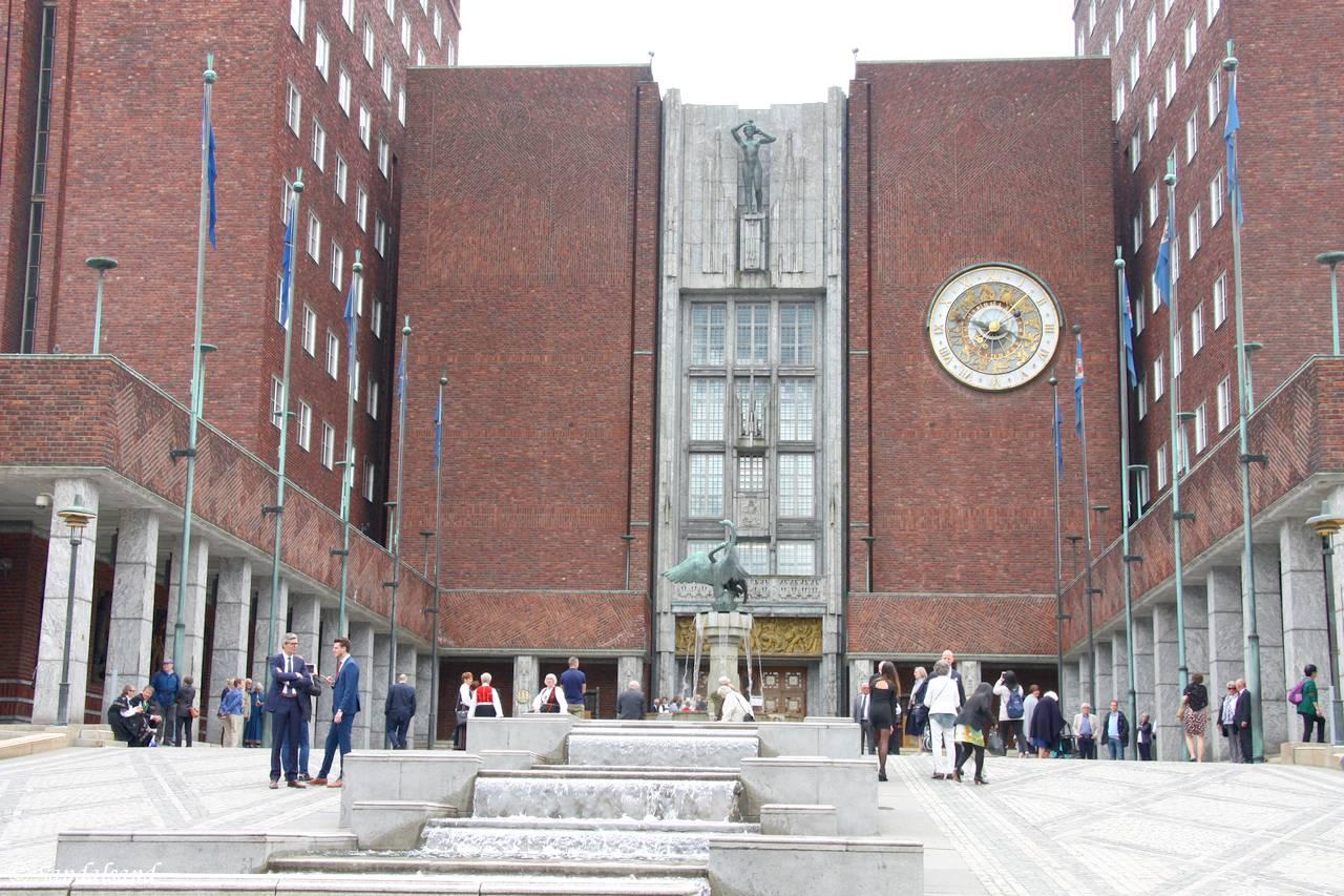 Oslo - Rådhuset - Fridtjof Nansens plass