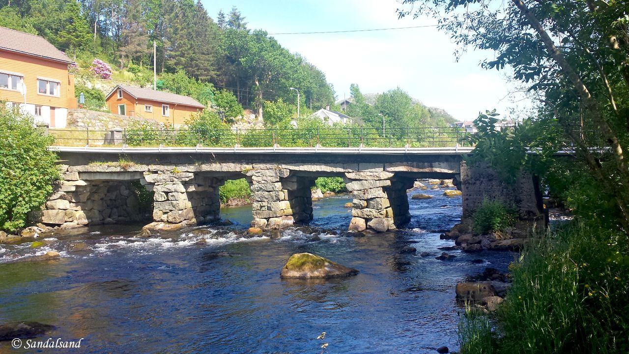 Rogaland - Sandnes - Langs Figgjoelva - Steinbro Figvedveien