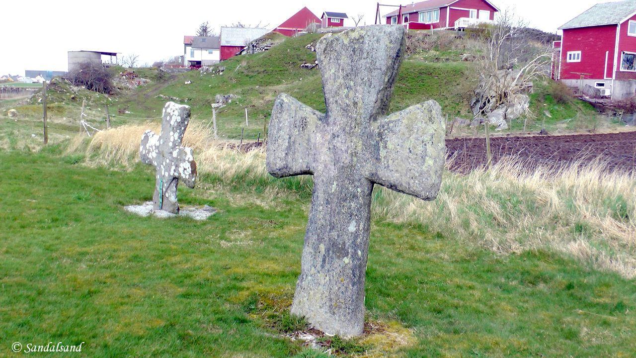 Rogaland - Sola - Tjora kirkegård - Steinkors