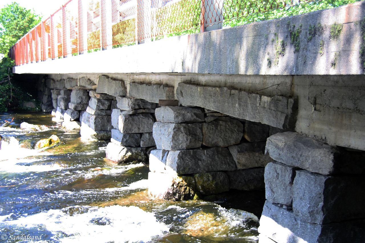 Rogaland - Strand - Tau steinbro
