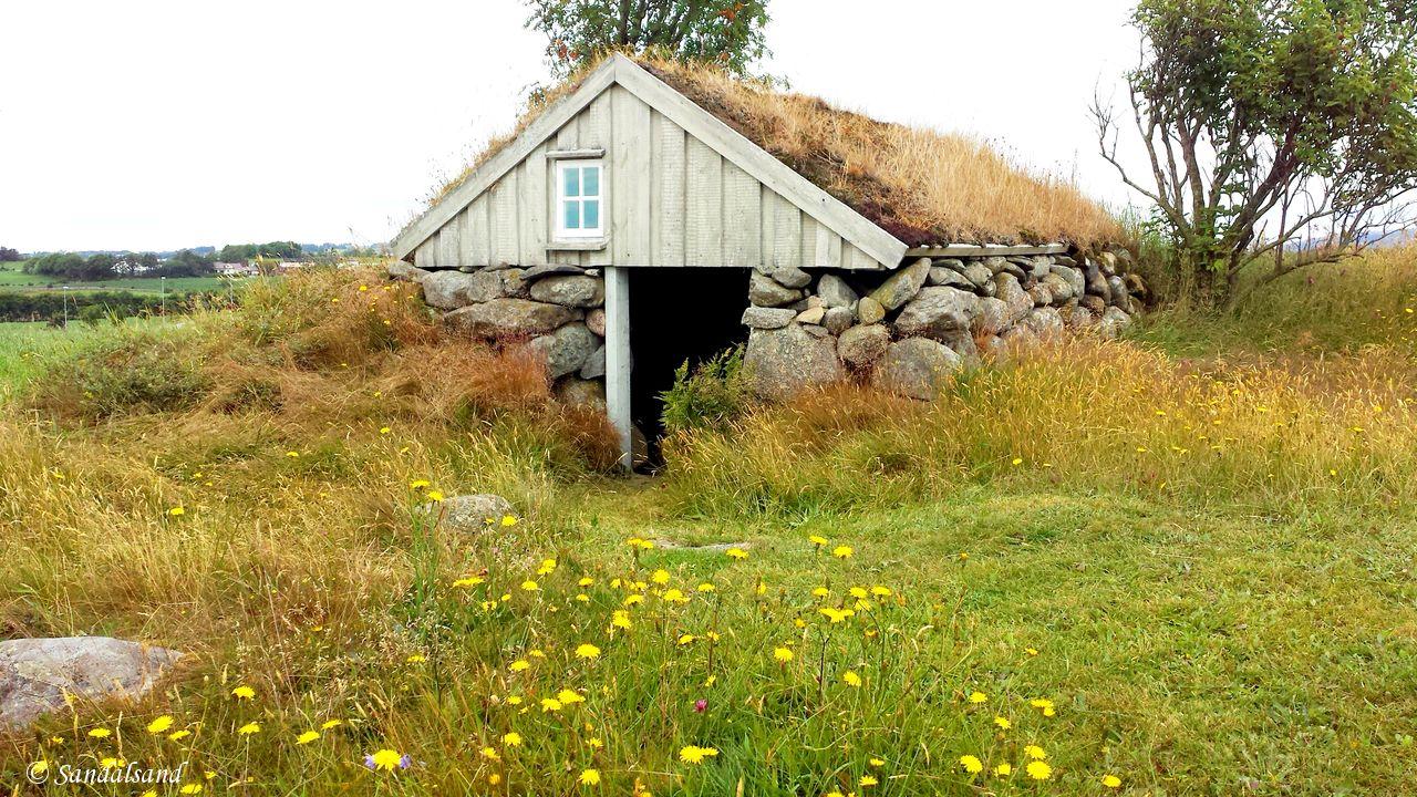 Norway - Rogaland - Time - Husmannsplassen og kårstova Træe