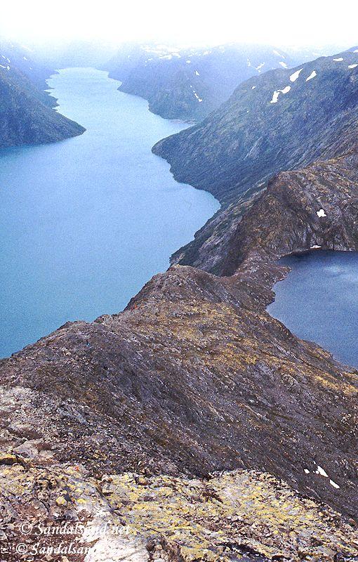 Oppland - Jotunheimen - Postkortbildet av Besseggen med Gjende og Bessvatn
